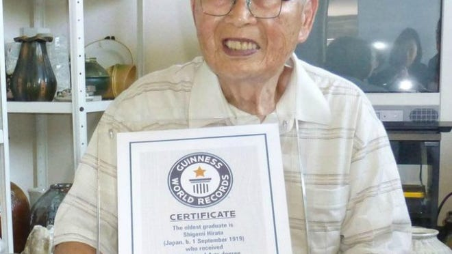 96-year-old Shigemi Harata graduated from Japan's Kyoto University of Art and Design last month.