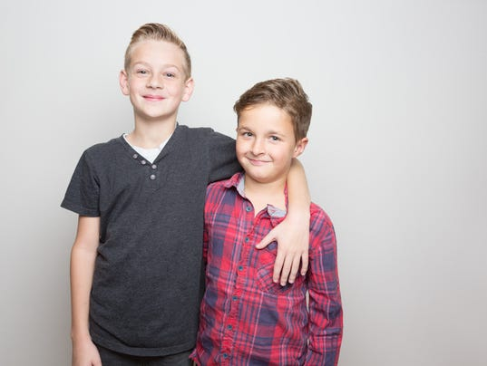 Double child portrait: brother and friends