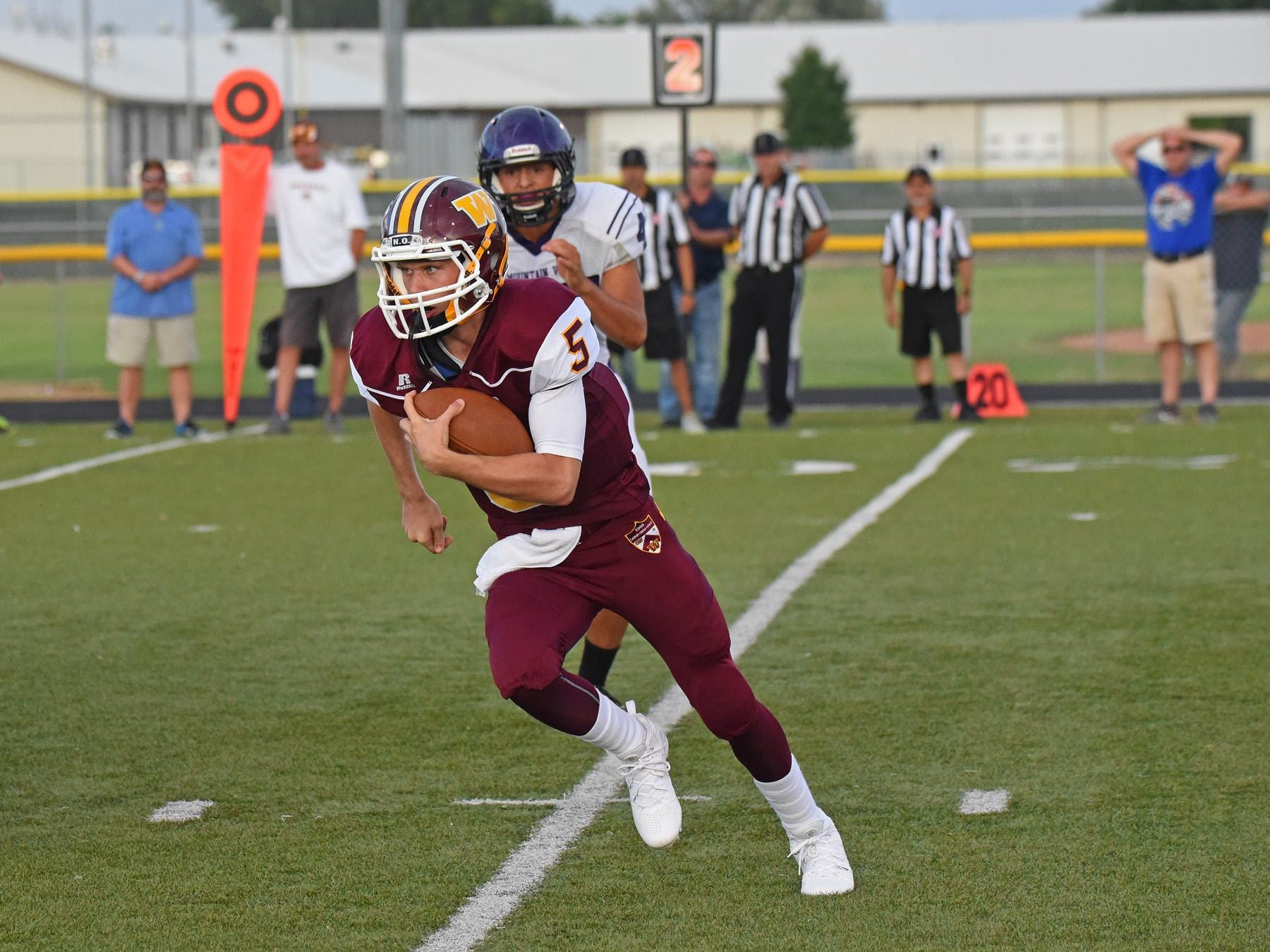 Windsor quarterback Brad Peeples, shown in a scrimmage last month, made his first start Friday night. The Wizards defeated Roosevelt 25-12 on the road.