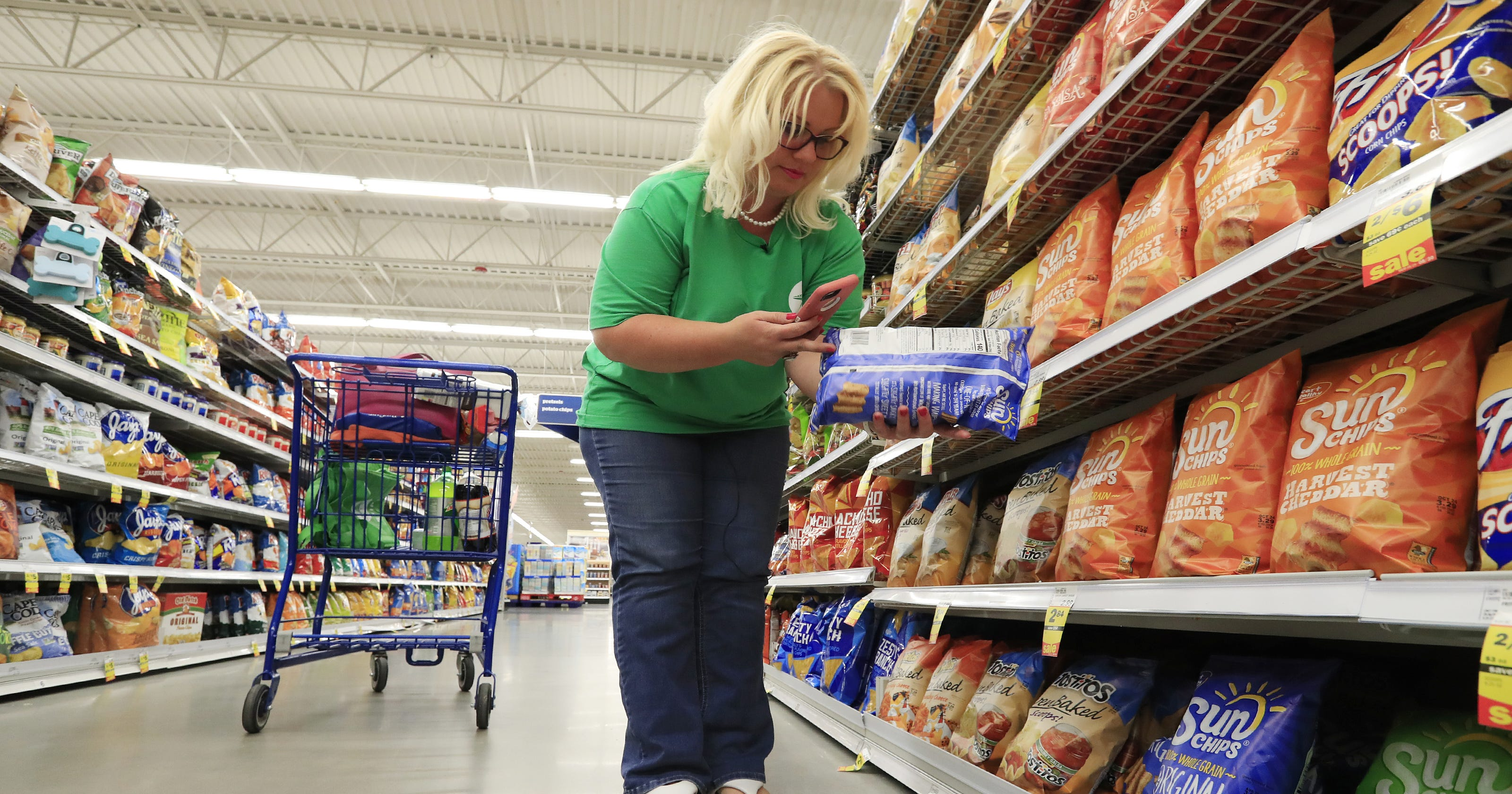 Hy-Vee partners with Shipt and Instacart for same-day