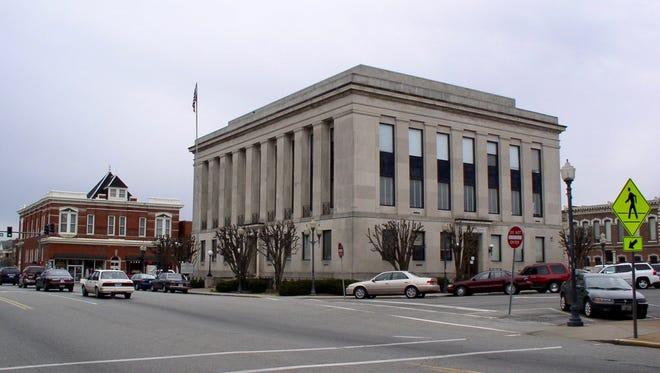 A new Sumner County ad hoc committee has been formed to evaluate whether the downtown Gallatin courthouse and jail should be repaired or moved to a new criminal justice center.