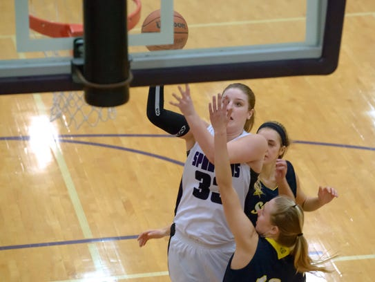 Lakeview's Jessalynn Genier (33) drives the basket