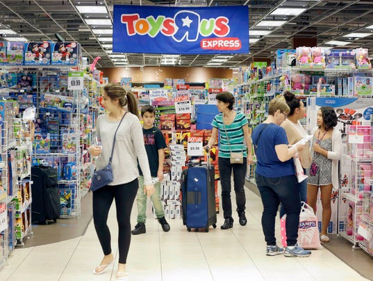 Toys r us closing gift cards are good for next 30 days ap toys r us f file a usa fl colourmoves Image collections