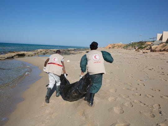Libyan Red Crescent recover bodies of drowned migrants