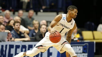 Former Cincinnati Bearcats guard Jacob Evans came out after his junior year to enter the 2018 NBA Draft.