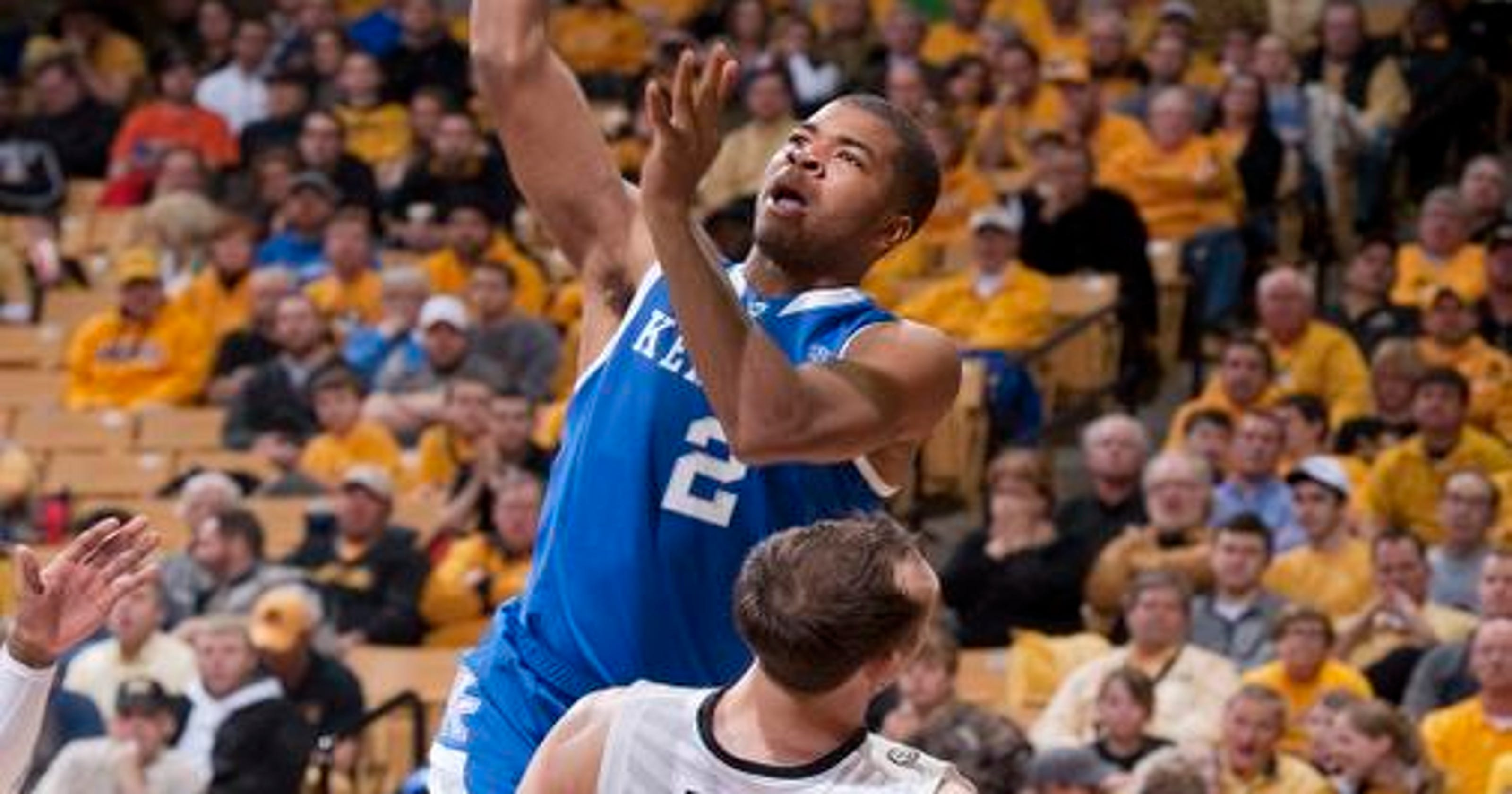 Kentucky basketball withstands furious Missouri rally to win