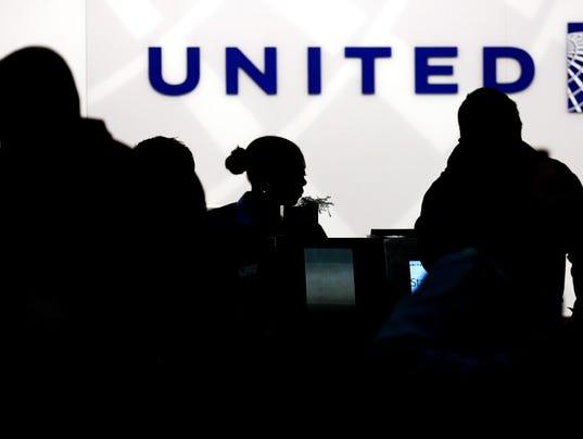 636276098107837238-United.JPG