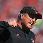 Petrino continues praise of U of L defense