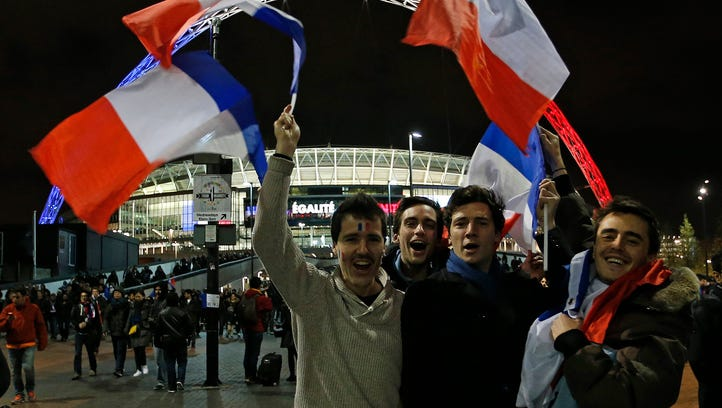 French soccer fans show their support for their country