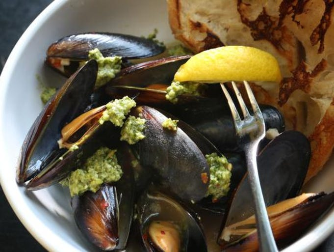 Steamed Mussels at Amici restaurant in Louisville. July 30, 2014.