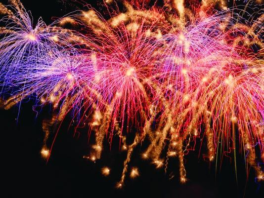 636027176761786338-CLRBrd-07-04-2013-LeafChron-1-A001--2013-07-03-IMG-fireworks.jpg-1-1-M64IDQC8-L252358522-IMG-fireworks.jpg-1-1-M64IDQC8-1-.jpg