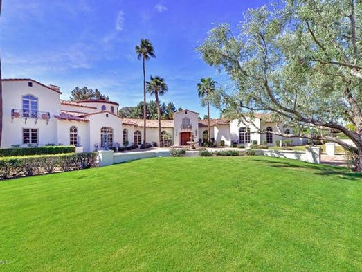 Luxury Homes 8 127 Square Foot Wickenburg Mansion Sells For 3m