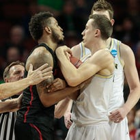 Michigan basketball: Duncan Robinson's defense put to test in Sweet 16