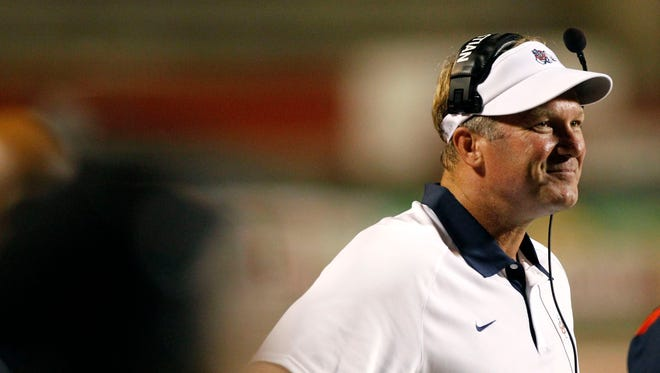 New Oregon defensive coordinator Tim DeRuyter signed a three-year contract on Friday.
