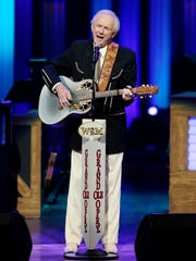 Mel Tillis performs for his fans during the Grand Ole