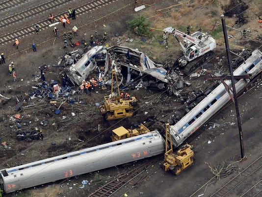 636301287788151426-Amtrak-Crash-Philadel-njha-1-.jpg