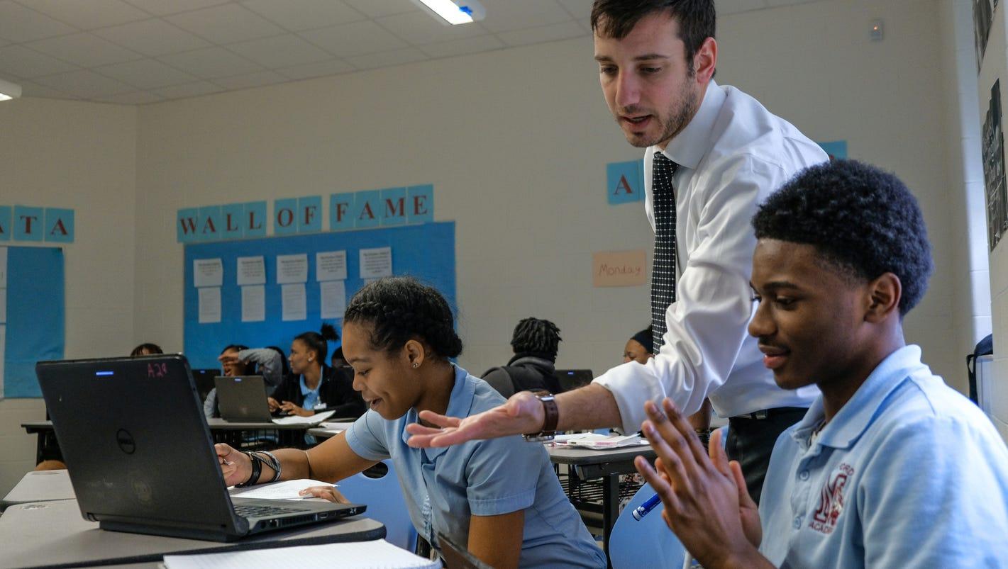 Detroit schools seek out master teachers to help improve schools