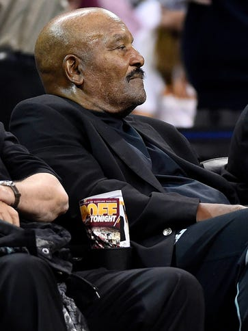 Cleveland Browns former player Jim Brown on the sidelines