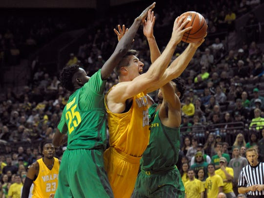 Valparaiso has only lost to Oregon this season. In that game, Peters had 24 points.