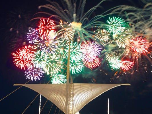 636483469000228850-MJS-fireworks-DeSisti-De-Sisti-0622-.1.jpg