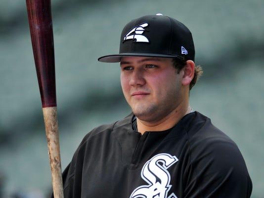 White_Sox_Burger_Baseball_86896.jpg
