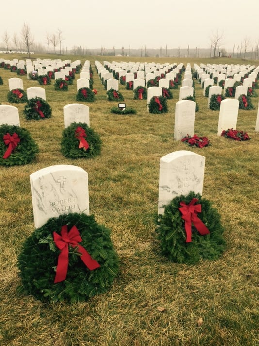636153409357756283-Wreaths.jpg
