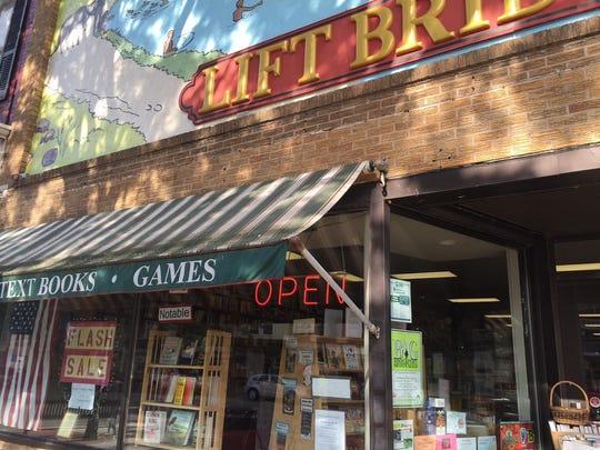 Lift Bridge Book Shop has new owners.