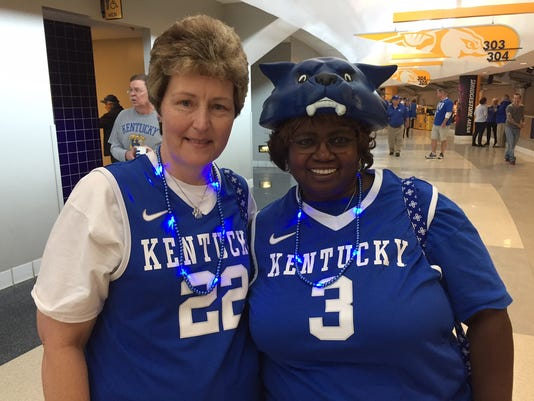 635934008464932570-Kentucky-necklaces.JPG