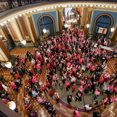Planned Parenthood supporters rally in the Capitol