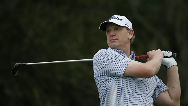 Tom Gillis of Lake Orion needs to  earn about $94,000, or finish around 15th place at the Honda Classic to keep his PGA Tour card.