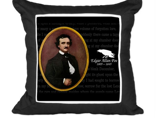 Homes_Right_Poe_Halloween__al.franco@thedesertsun.com_9.jpg