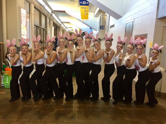 Garden City middle school pompon team placed first