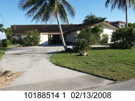This home at 3817 SE 21st Place, Cape Coral, recently