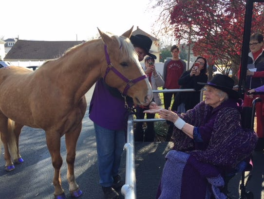 Mercy House resident Gloria, meets Tobby, a horse owned