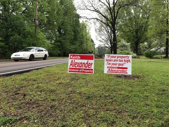 Yard signs in Bartlett support Keith Alexander for