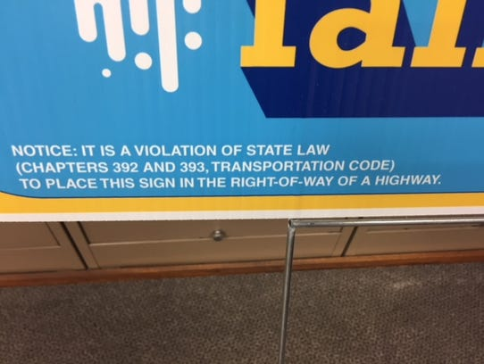 A notice required by the Texas Ethics Commission is