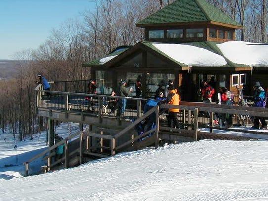 Fire at michigan ski resort injures 12 for Boyne mountain resort