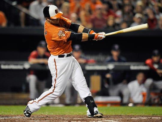 Christian Walker has a compact, powerful swing.