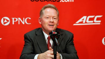 Louisville's Bobby Petrino discusses the Cards 2016 at signing class. Feb. 3, 2016