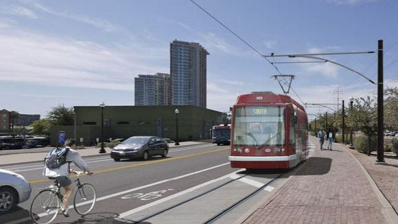 What is the national benefit that justifies the federal government paying for a three-mile streetcar in Tempe?