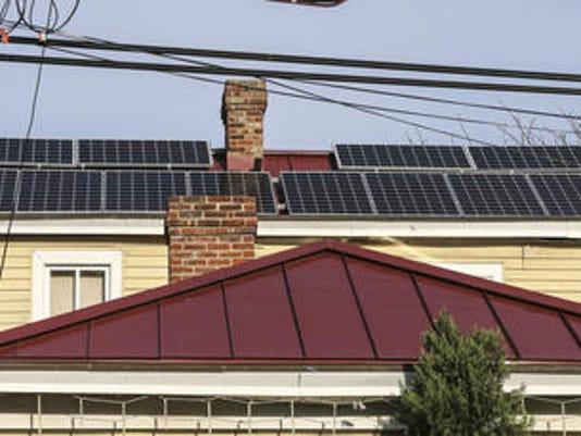 635961541717652218-Solar-panels-roof.jpg