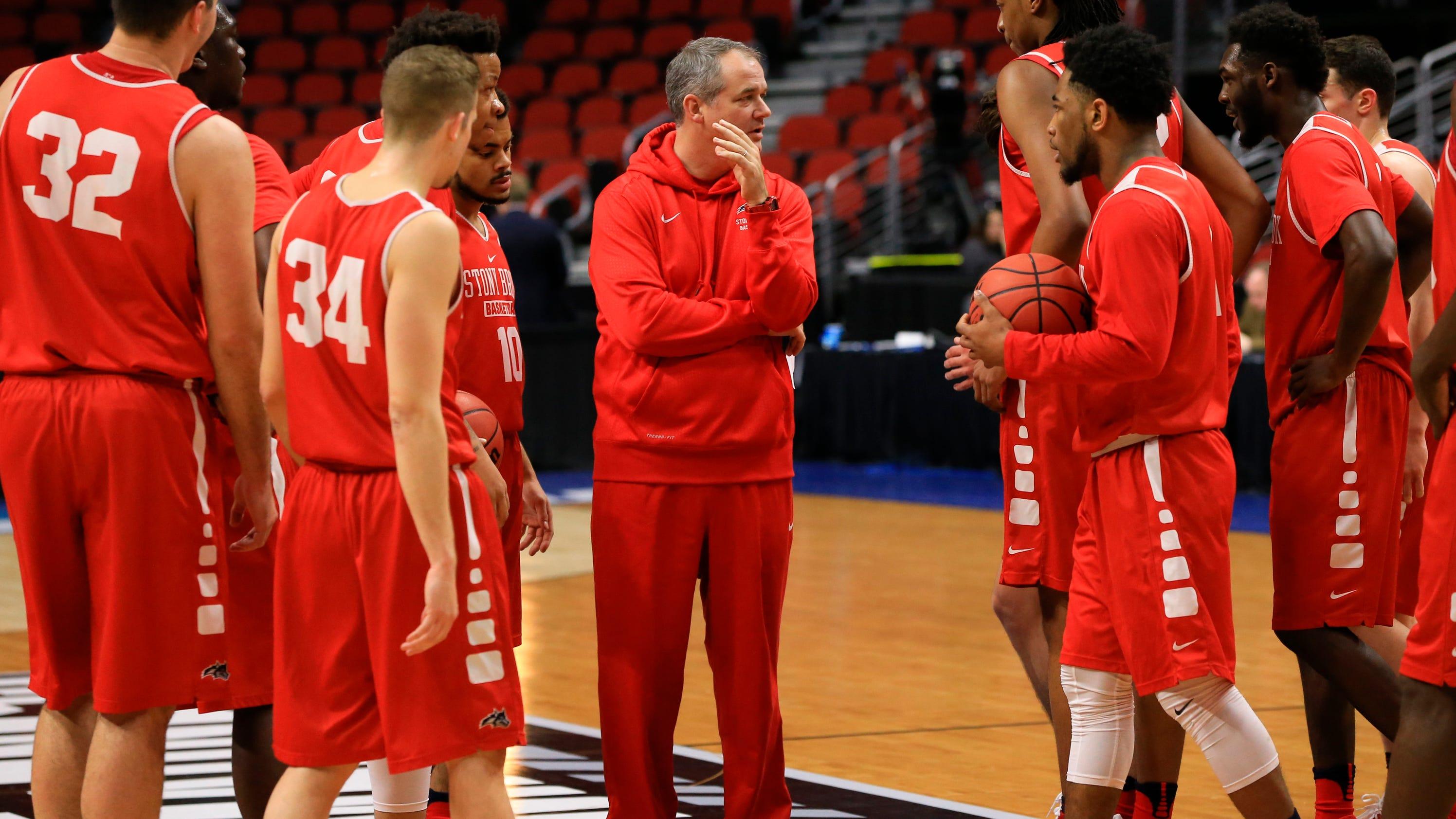 Rutgers spends B1G for basketball coach Steve Pikiell