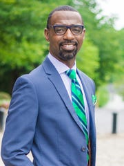 Damon M. Qualls, principal of Monaview Elementary School
