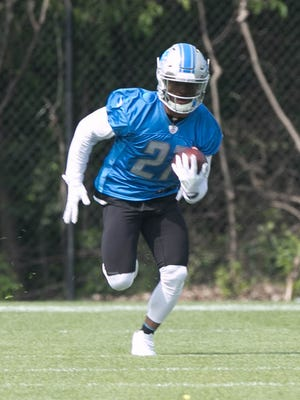 Lions running back Ameer Abdullah goes through drills during OTAs on Wednesday, May 24, 2017 at the Allen Park practice facility.