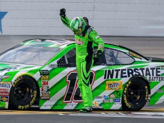 Kyle Busch Edges Kevin Harvick For First Nascar Cup Win Of