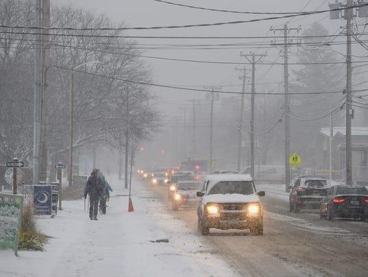 636486650233316098-2017-1212-Burlington-Snow-Pine-Street-1.jpg