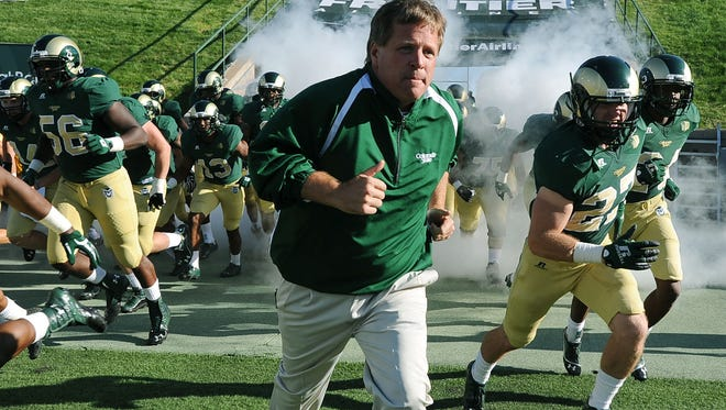 Former CSU football coach Jim McElwain has reportedly been offered a job on Michigan's coaching staff.