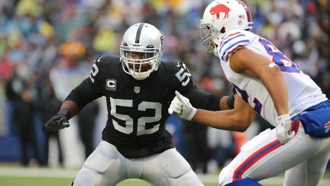 Raiders linebacker Khalil Mack drops into pass coverage against the Bills.