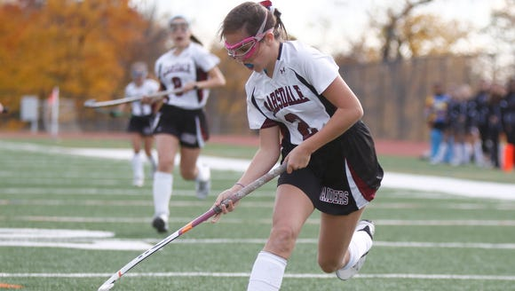 Scarsdale's Elizabeth Scarcella (2) controls the ball during the 2016 Class A regional championship.