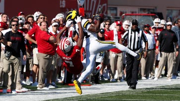 Michigan football's Lavert Hill apologizes for 'inappropriate gesture' at Penn State